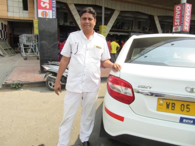 Manower, a driver from south Kolkata, sees no reasons to vote for change.JPG