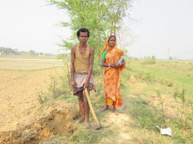Punnuchandra Bari and his wife, both daily-wage labourers from Indus village, Labpur Block, Birbhum, let village elders decide whom to vote for.JPG
